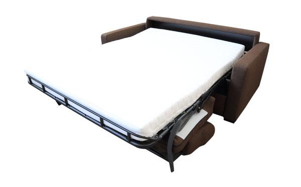 Sofa mit Matratze.