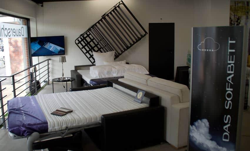 Sofas mit Matratze sind Dauerschlaefer.