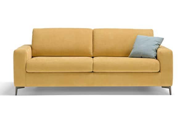 Schlafsofa sieht aus wie normales Sofa.