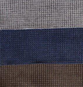 Graue und blaue Stoffe fuer Sofas.