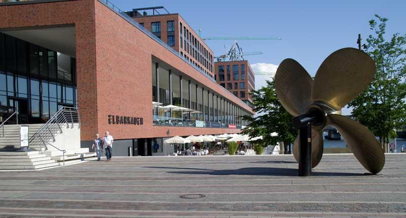 Elbarkaden in der Hafencity.