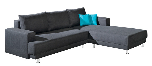 Ecksofa mit Bettfunktion in grau.