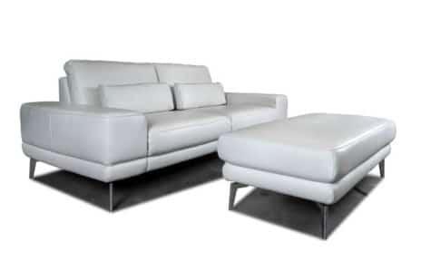 Ledersofa im italienischen Design.