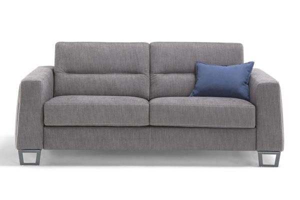 Sofa mit Matratze fuer jede Nacht.