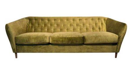Sofa nordischer Retrostil.