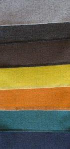 Weiche Stoffe in kraeftigen Farben.